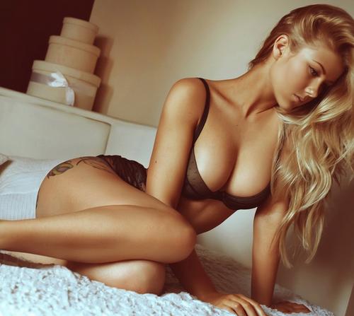 seducing Hot women